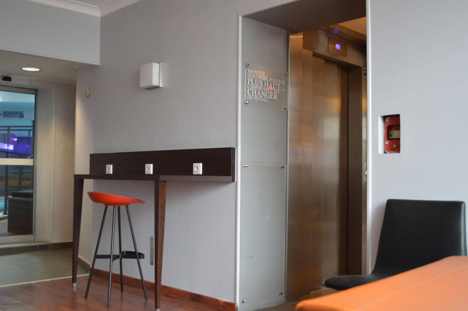 Installation ascenseur hôtel dijon