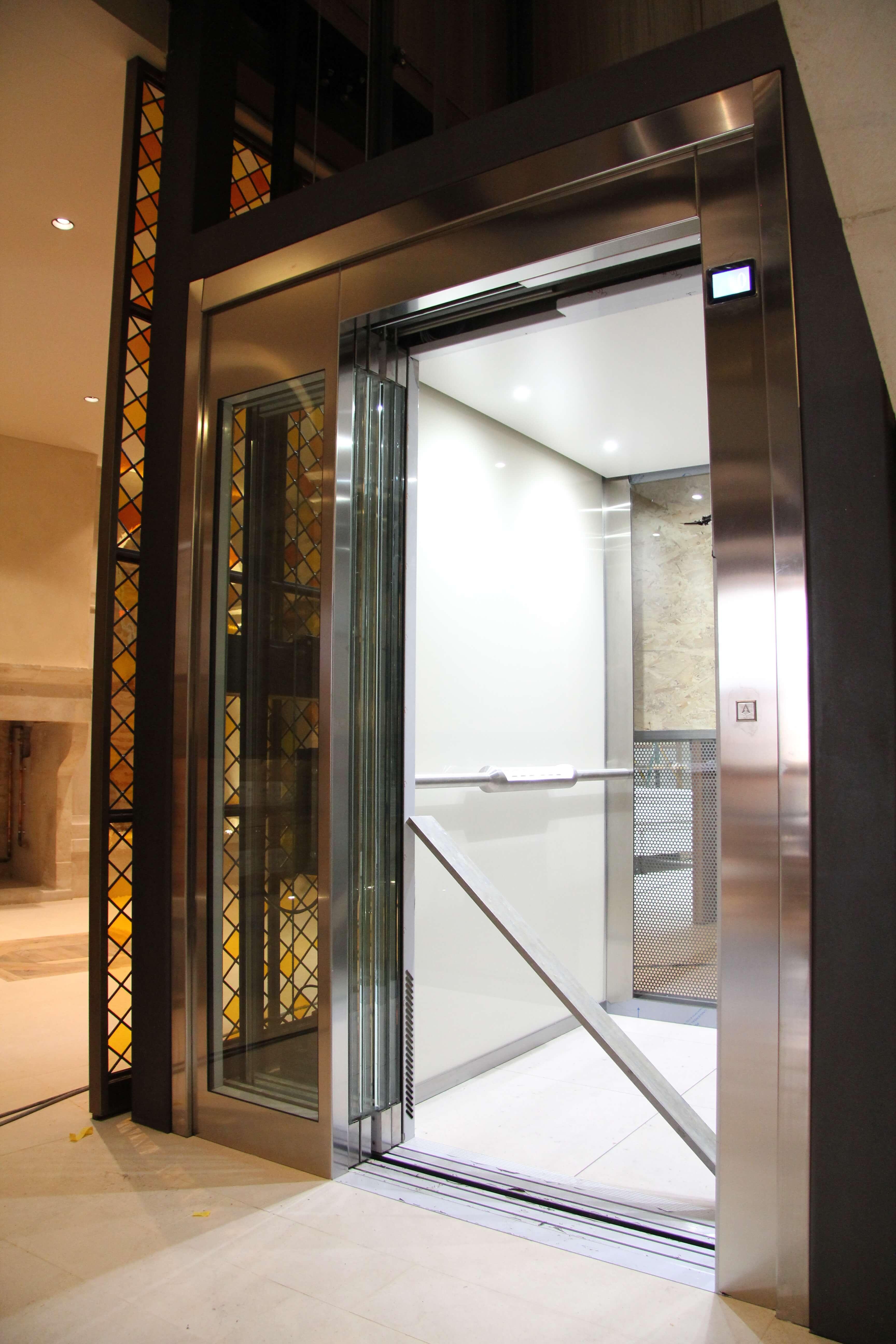 Installation ascenseur privatif dijon - EM Ascenseurs spécialiste